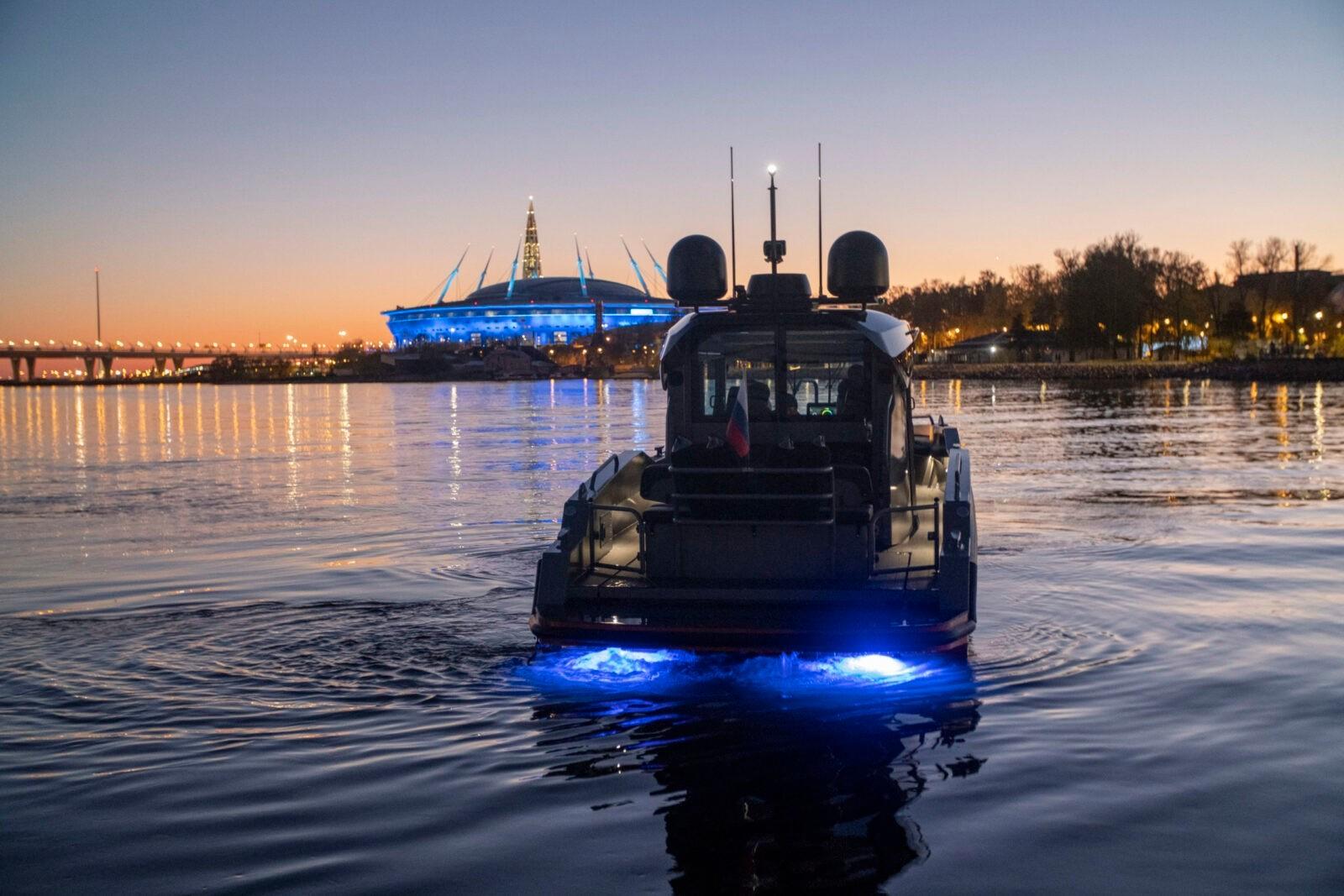 Force 10 - революционный катер для ценителей водных прогулок